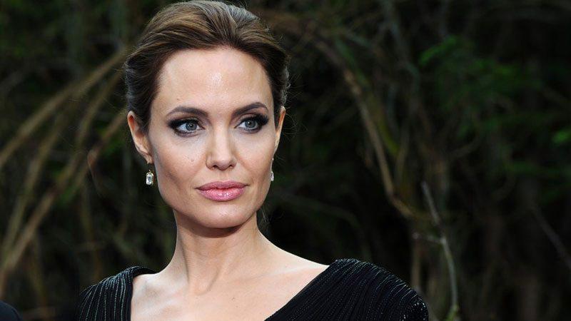 Анджелина Джоли -Манифестирующий генератор